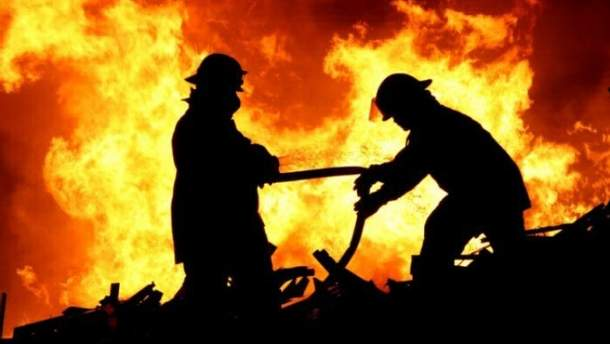 В Запорожской области взрыв привел к пожару в жилом доме