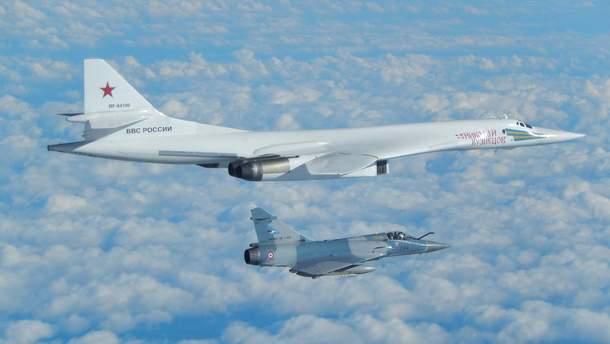 Російський стратегічний бомбардувальник Ту-160