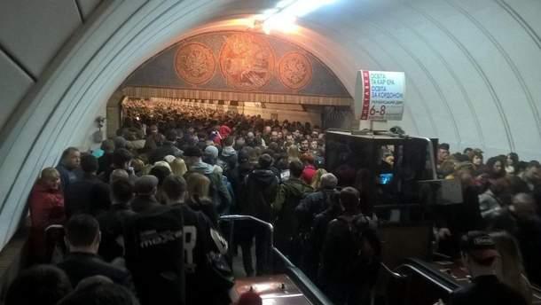 Избегайте попадания в толпу в киевском метро