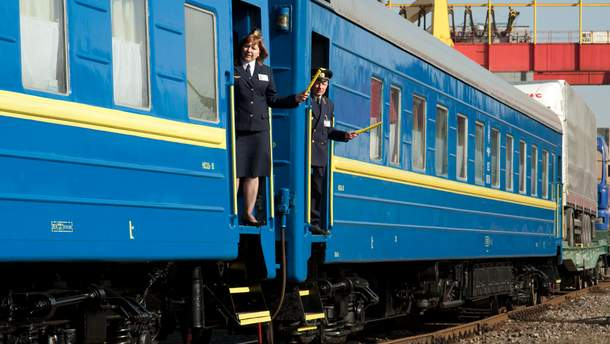 Заказывать билеты на поезд можно с пересадками.