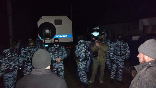Обыск у активистов в Крыму