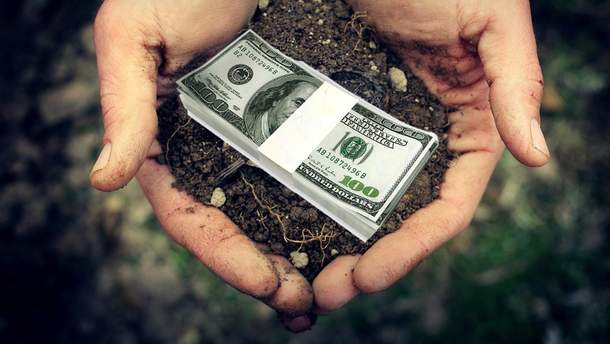 Мораторій на продаж землі в Україні потрібно скасувати вже у 2018 році