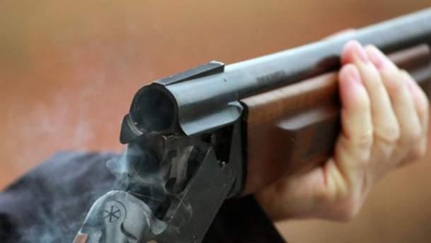 Мужчина стрелял из ружья по ремонтниках облэнерго