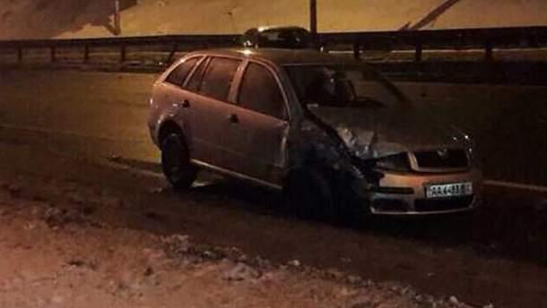 В Киеве нетрезвый водитель Skoda Fabia устроил тройное ДТП