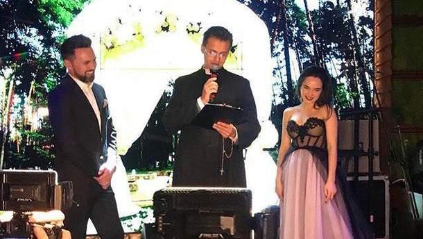 Ведучий Тимур Мірошниченко зіграв весілля