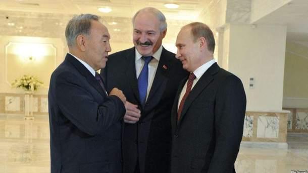 Назарбаєв вирішив відібрати ініціативу в Лукашенка?