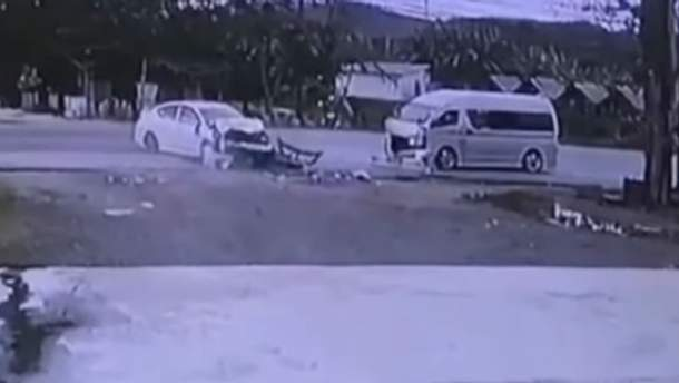 Авария с  украинцем и россиянками в Таиланде