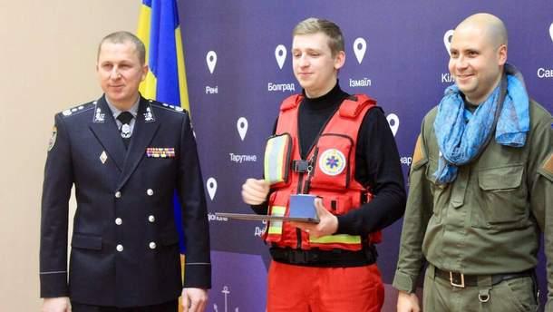 В'ячеслав Аброськін поруч з Микитою Гречко та Віктором Тихоніним