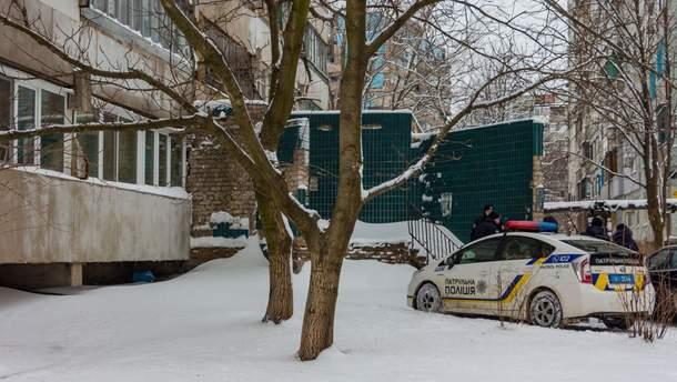 В Днепре в помещении мусоросборника нашли тело мужчины
