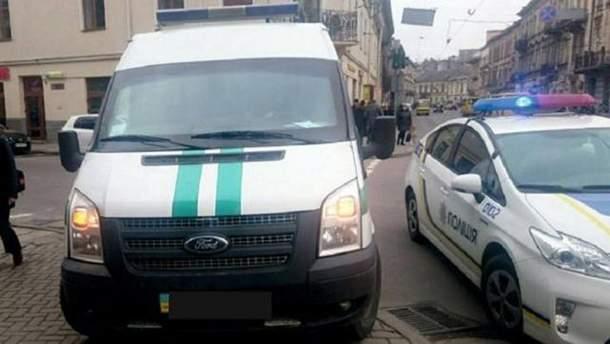 Інкасаторський автомобіль на вулицях Львова (фото ілюстративне)