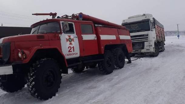 На дорогах Украины работают спасатели