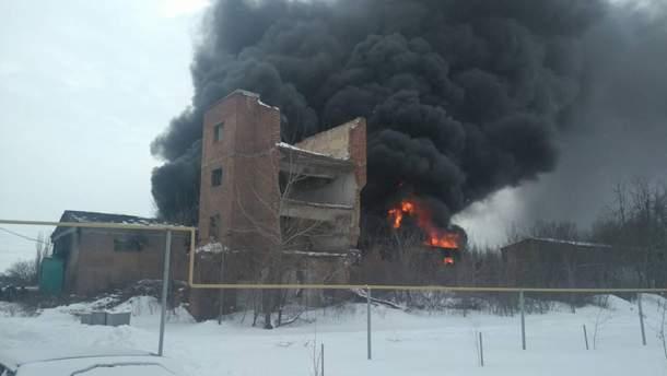 Пожар на складе в Славянске