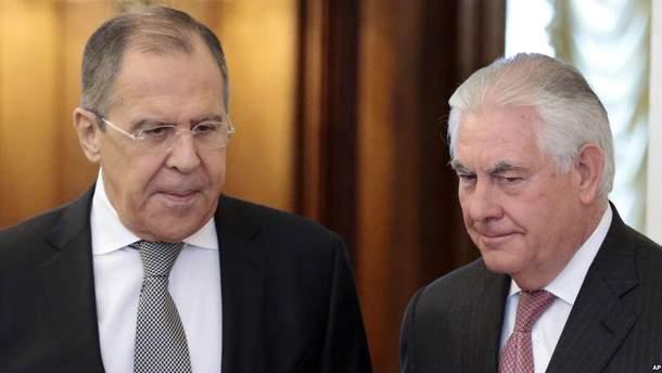 Тіллерсон розповів деталі розмови з Лавровим щодо України