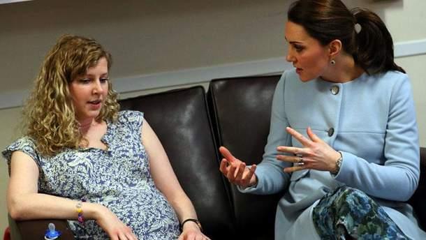 Кейт Міддлтон у лондонській школі Roe Green Junior School
