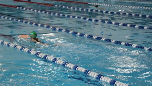 У львівському басейні померла 10-річна дитина після заняття з плавання