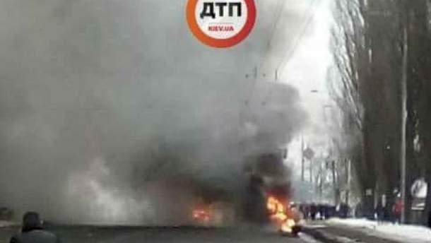 В Киеве столкнулись 3 авто и фура