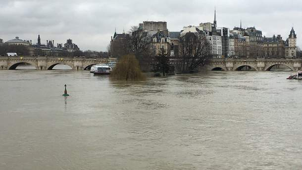 Наводнения в Париже