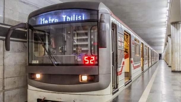 """На станції метро """"Варкетілі"""" у Тбілісі впала стеля"""