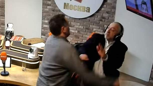 Российские журналисты устроили серьезную драку в эфире