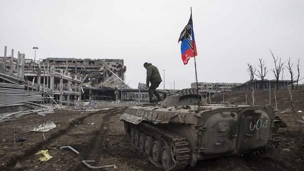 Пересування бойовиків поблизу Донецького аеропорту