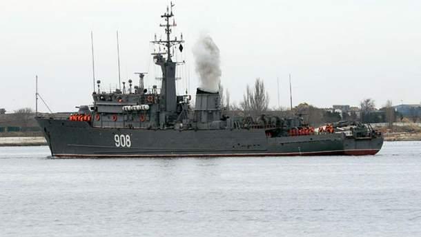 Російські кораблі відкрили вогонь в окупованому Криму