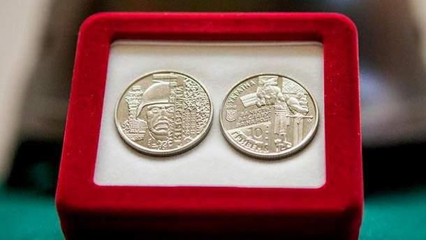 """НБУ показав нову монету на честь """"кіборгів"""""""