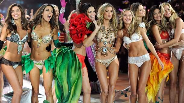 Модели Victoria's Secret полностью обнажились