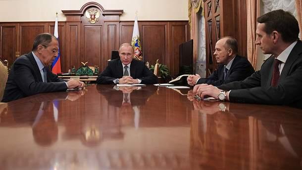 Путин проводит встречу с Бортниковым и Нарышкиным