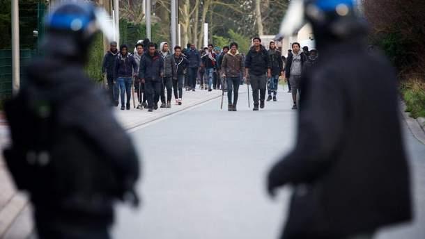 Массовые столкновения мигрантов во Франции