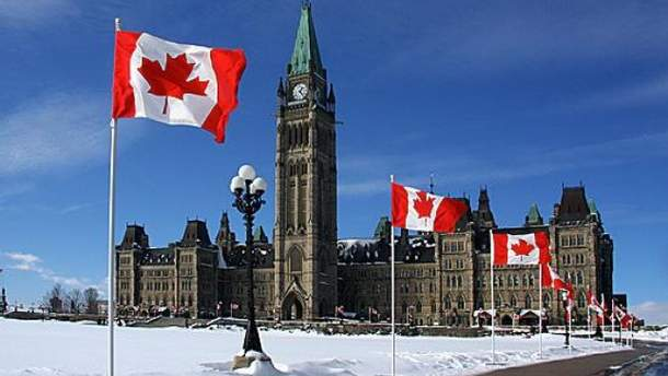 Канада стурбована польським законом