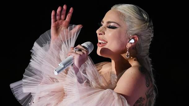 Леди Гага отменила концерты в Европе