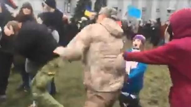 Столкновения под Десятинной церковью в Киеве