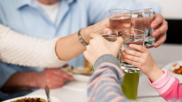 10 ознак нестачі води в організмі