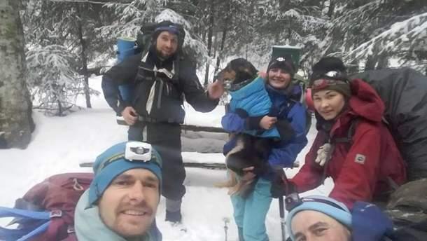 Фото туристов, которых спасли на горе Поп Иван