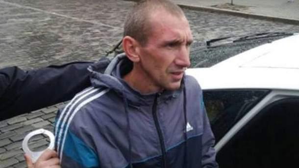 В Киеве жестоко крымчанина, который изуродовал памятник Небесной сотни