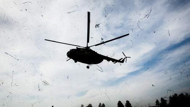 """Шесть человек пропали без вести после падения вертолета """"Черный ястреб"""""""