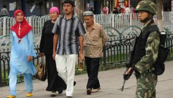 Уйгури