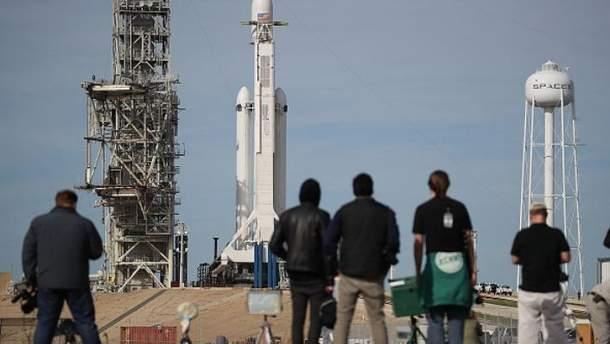 SpaceX успішно запустила ракету-носій Falcon Heavy