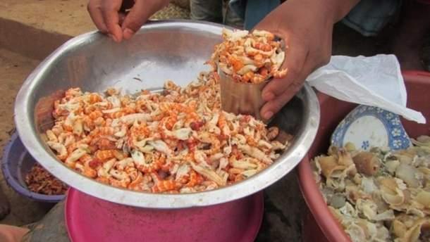 Мраморные раки с мадагаскарского рынка