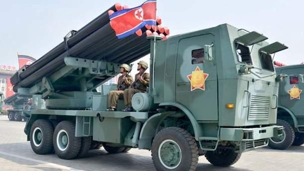 В КНДР состоялся военный парад на кануне старта Олимпийских Игр в Южной Корее