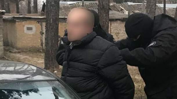 Полиция разоблачила преступную схему в миграционной службе