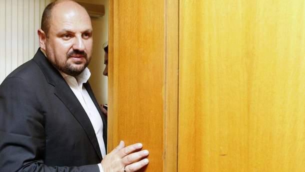 Суд разрешил снять Розенблату электронный браслет