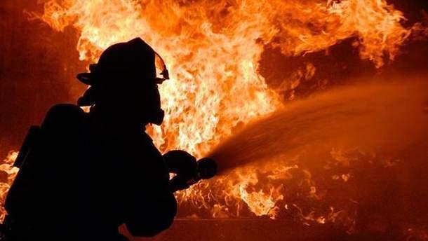 В окупованому Донецьку спалахнула пожежа в адміністрації
