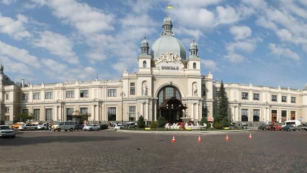 Железнодорожный вокзал в Яремче