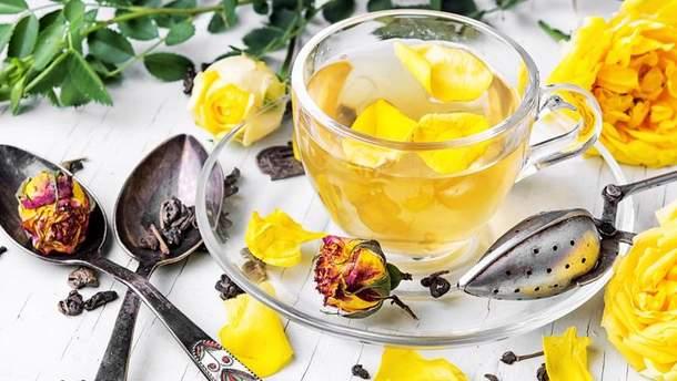 Чай с лепестками чайной розы