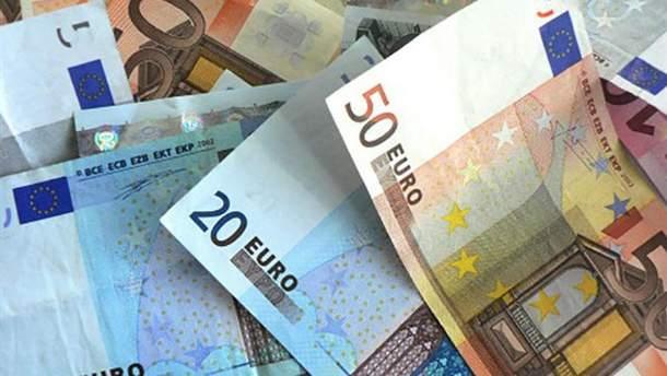 Курс валют НБУ на 15 лютого: євро та долар здали у ціні