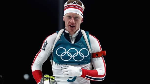 Биатлон на Олимпиаде-2018: победу в мужской индивидуалке празднует Йоханнес Бё