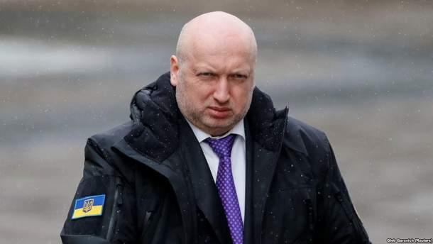 Турчинов объяснил, почему в Украине не ввели военное положение в начале аннексии Крыма