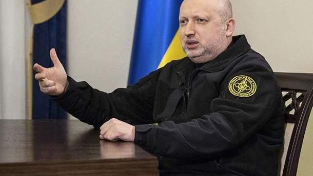 Турчинов объяснил, почему Украина не может объявить войну России