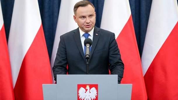"""Дуда обжаловал статьи с """"украинскими националистами"""" в скандальном законе"""